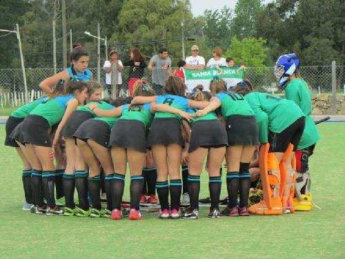 Hockey Femenino - La Preselecciónes del SudOeste entrenaran en el Parque Municipal.