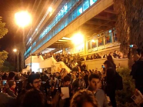 Por el temblor, evacuaron edificios en la ciudad de Buenos Aires