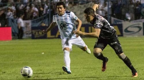 AFA - 1ra División - Tercer derrota consecutiva de Atlético Tucumán - Leandro González ingresó en el segundo tiempo.