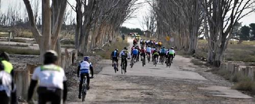 Nutrida participación de ciclistas pigüenses en la Rural Bike de Carhué.