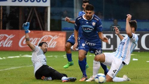 AFA - 1ra División - Rafaela en la última jugada venció a Atlético Tucumán - Leo González jugo 88 minutos.