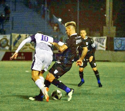 Nacional B - Derrota de Temperley con Leandro González ante Villa Dálmine.