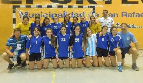 Handball Femenino - El Cef 83 representando a Absoba juega la final en San Rafael.