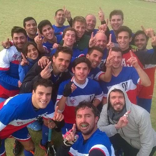 Hockey Masculino - El Cef 83 jugará por el quinto puesto al golear a Villa Mitre.