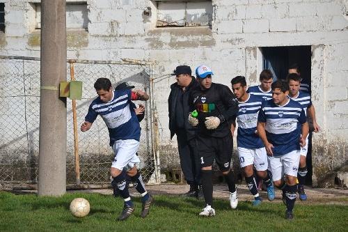 LRF - Deportivo Argentino y Peñarol golearon en sus canchas. Sarmiento se trajo un punto de su visita a Guaminí.