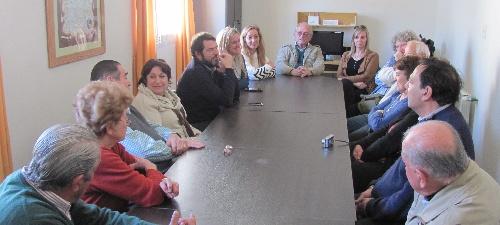 Graciela Ocaña en Pigüé se reunió con el Centro de Jubilados