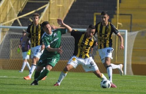 Nacional B - Olimpo derrotó como local a Ferrocarril Oeste. Otondo ingresó en el complemento.