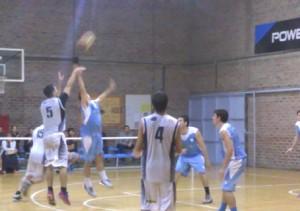 Basquet Bahiense - Con 6 puntos de Martín Cleppe, Estudiantes derrota a El Nacional y es puntero.