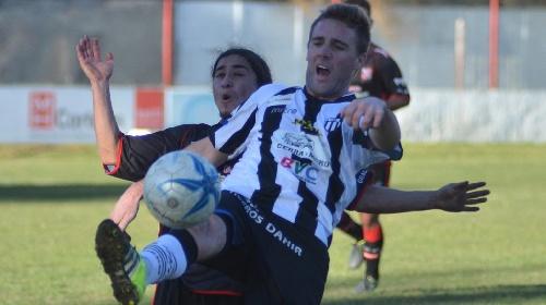 Liga Del Sur -. Derrota de Liniers en General Cerri con Lagrimal y Kent como titulares.