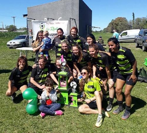 Futbol Femenino - Las Ranitas se quedaron con el título regional.