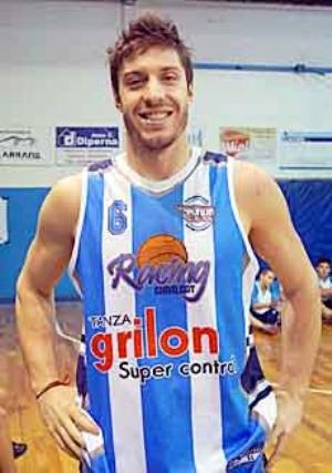 Basquet Chivilcoy - Erbel Di Pietro goleador del cotejo en el que Rácing derrotó a Argentino.