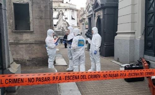 Detuvieron a otras diez personas por la bomba en el cementerio de Recoleta