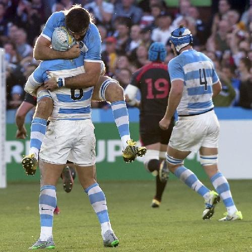 Rugby Internacional - Primer triunfo de Los Pumas en el Mundial de Rugby.