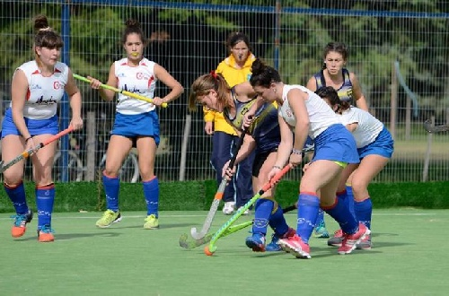 Hockey Femenino - Goleada del CEF 83 ante Coronel Suárez Hockey Club por cuatro tantos contra cero.
