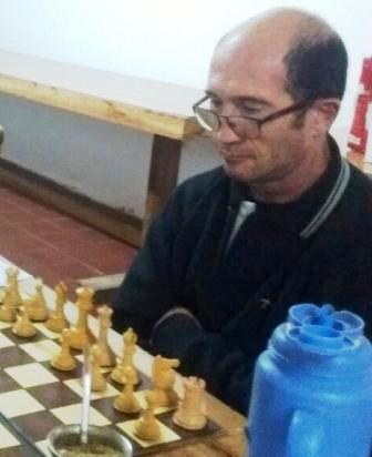 Ajedrez - Miguel Amadío se quedó con el blitz jugado en el club local.