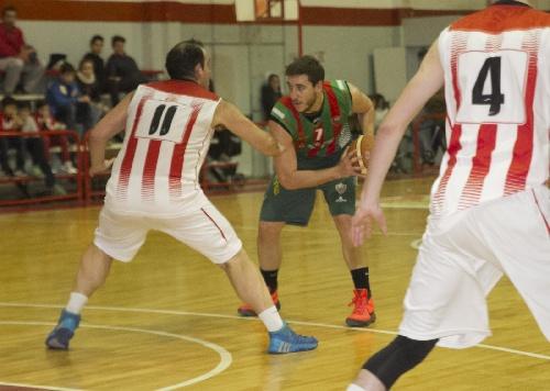 Basquet Tresarroyense - Biscaychipy con 16 puntos clave para la victoria de Deportivo en el debut del torneo oficial.