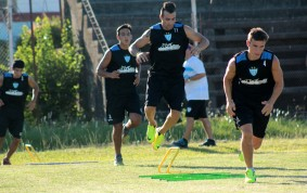 Nacional B - Con un gol de Martín Prost , Juventud Unida derrotó a Danubio en Uruguay.