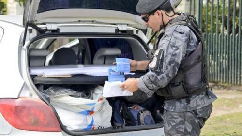 """militantes del FPV repartieron boletas """"armados y a los tiros"""" en Malvinas Argentinas"""