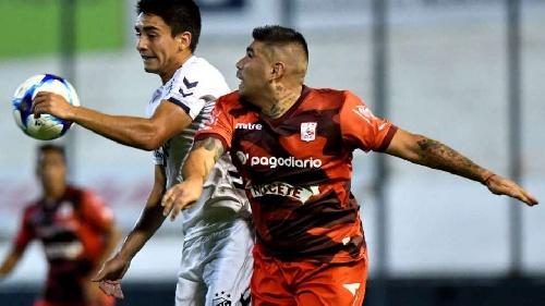 Nacional B - Quilmes con Leandro González derrotó a Morón - Aldosivi puntea el campeonato.