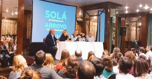 La candidata a Senadora del Frente Renovador Virginia Appathie participó de reunión con Felipe Solá