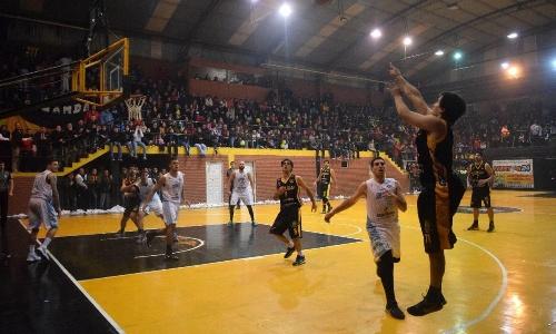 Basquet Federal - Talleres de Tafí Viejo se quedó con el segundo punto ante Norte - 2 pts de Byscaychipi.
