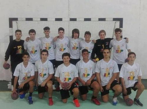 Handball Cadetes Masculino - El Seleccionado regional batió a Rosario en el triangular por el 9° puesto.