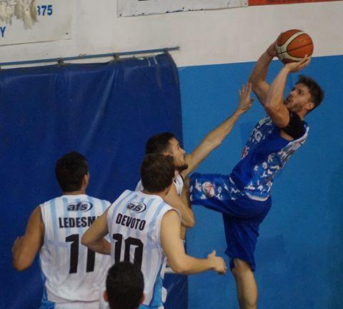 Basquet Federal - Con 23 puntos de De Pietro Racing derrotó a Sportivo Escobar y mantiene la supremacía del grupo.