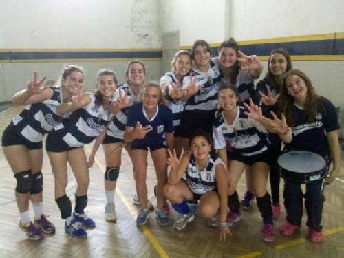 Voley Femenino - Victorias del Club Sarmiento en su visita a Bahía Blanca.