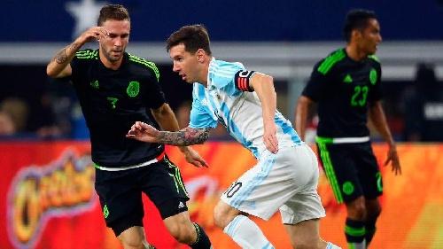 El Seleccionado argentino de fútbol igualó anoche con México 2-2