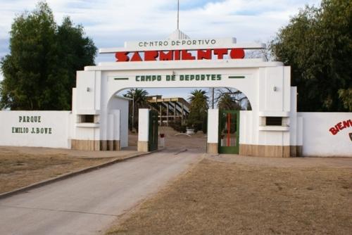 LRF - Peñarol y San Martín de Santa Trinidad definen el clausura en Deportivo Sarmiento.