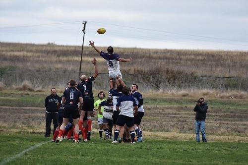 Rugby - Sobre el final Sarmiento cayó ante San Agüstín de Laprida.