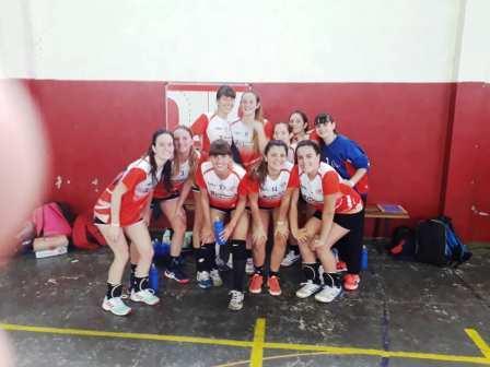 Handball Femenino - En Provincial Juvenil de Chivilcoy el Cef 83 ganó sus 3 primeros juegos.