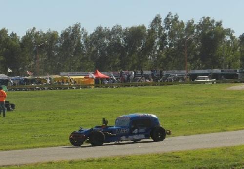 TC del 40 Sudeste - Ruben Guarino poleman del día sábado en Tres Arroyos.