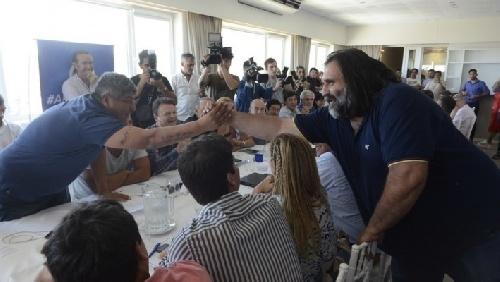"""Pablo Moyano promete """"una marcha histórica"""" contra Mauricio Macri  y acuerda con Baradel"""