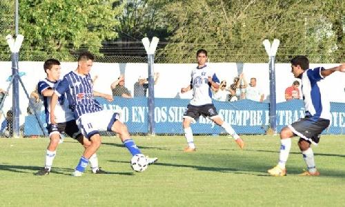 Federal C - Racing de Carhué hace fútbol preparándose para el comienzo del torneo.
