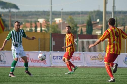Calcio Serie E - El Polisportiva con Maxi Ginobili derrotó tres a cero al Cutro y se afianza en la vanguardia.