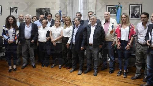Corvatta con Intendentes peronistas proponen votar leyes propuestas por Vidal, pero frenan la discusión sobre el IPS