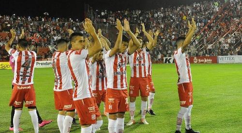 Nacional B - San Martín de Tucumán venció como local a Agropecuario y es puntero. Un gol de Martín Prost para el sojero.