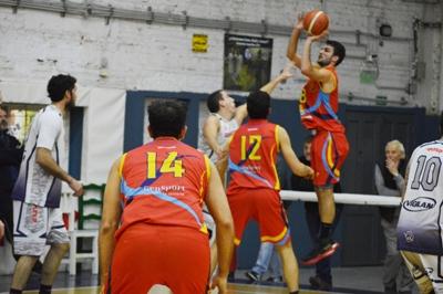 Basquet Bahiense - Bahiense cayó ante Napostá y es alcanzado por Liniers.