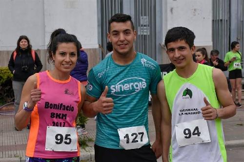 Atletismo - René Velazquez en Masculino 10 k y Yani Clair en Damas 10 k fueron 2° en la Vuelta a la Laguna.