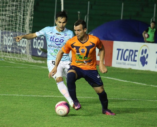 Futbol Boliviano - Martín Prost presente en la victoria de Sport Boys ante Aurora.