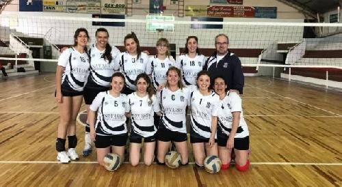 Voley Femenino - Club Sarmiento cayó en 1ra y en Maxi en Bahía Blanca - Definidos los campeones.