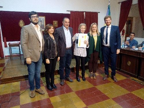"""Pigüé: El Concejo Deliberante declaró """"de interes municipal, cultural y educativo"""" el libro de la Prof. M Luján Tanco """"Comercios que hicieron historia"""