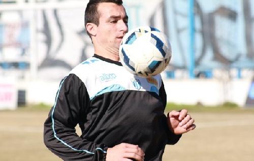 Victoria del equipo alternativo de Juventud Unida con gol de Martín Prost ante Témperley.