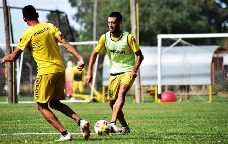Nacional B - Nicolás Cabral concentra con el equipo que viaja a Santiago del Estero.