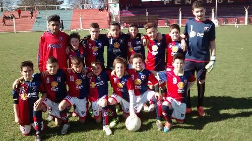 LRF - Inferiores - En el clásico, Sarmiento y Peñarol se repartieron las victorias.